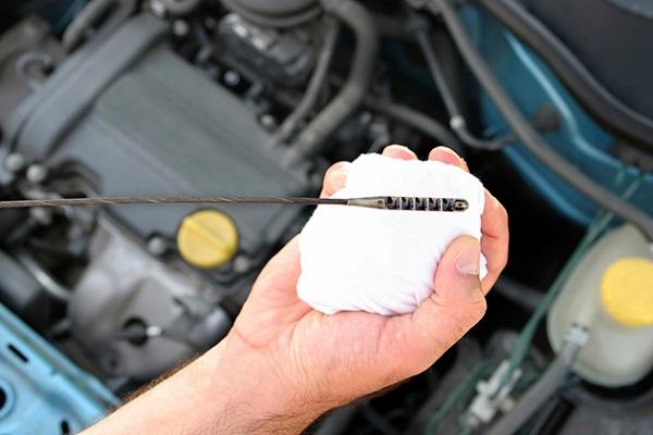 karla-auto-mootoriõli-vahetus